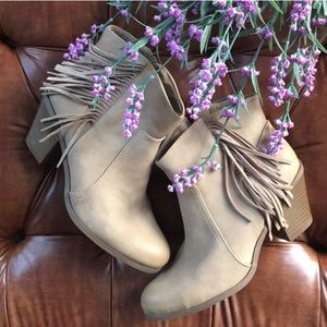 Sam Edelman lyric fringe boot bootie oatmeal 8 tan